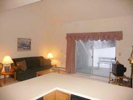 53 Tenney Mountain Rd UNIT I-2, Plymouth, NH 03264