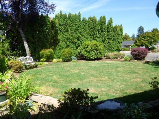 1037 N Birch St, Canby, OR 97013