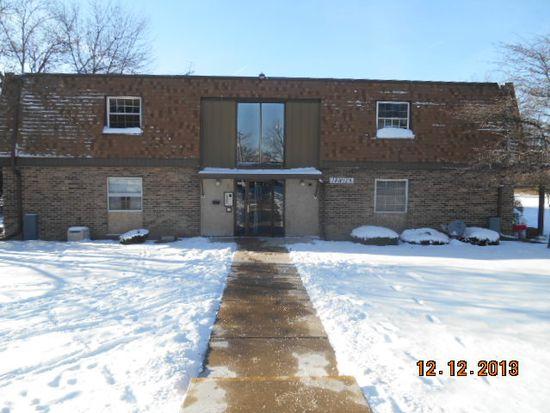 18W125 63rd St APT 105, Westmont, IL 60559