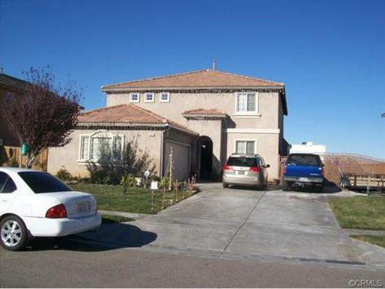14474 Arthur St, Oak Hills, CA 92344