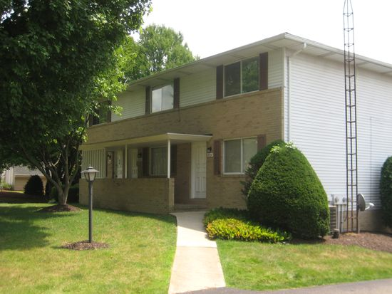 5678 Huckleberry St NW, North Canton, OH 44720