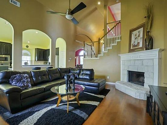 305 Dover Heights Trl, Mansfield, TX 76063