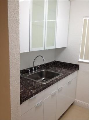 1629 NW North River Dr APT 203, Miami, FL 33125