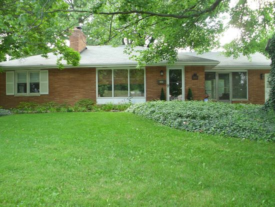 2605 Roanoke Ave, New Albany, IN 47150