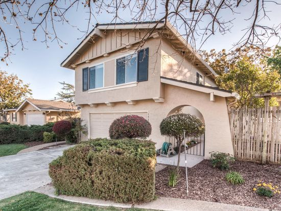 1720 Banff Dr, Sunnyvale, CA 94087