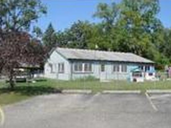 4461 Collins Rd, Oakland, MI 48306