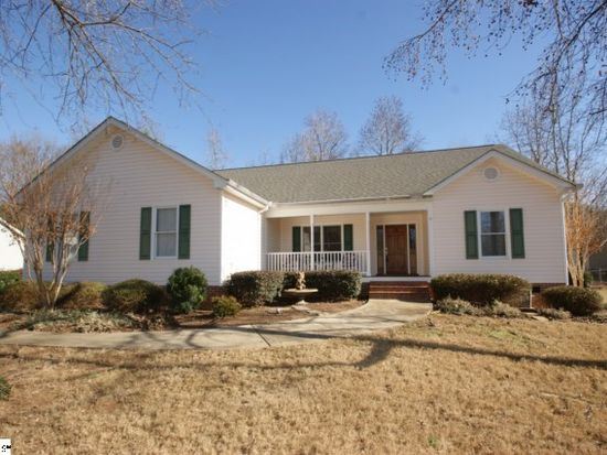 525 Wemberly Ln, Simpsonville, SC 29681