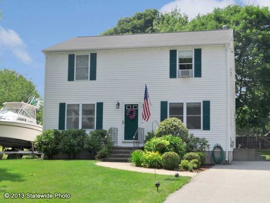 151 Dover Ave, East Providence, RI 02914