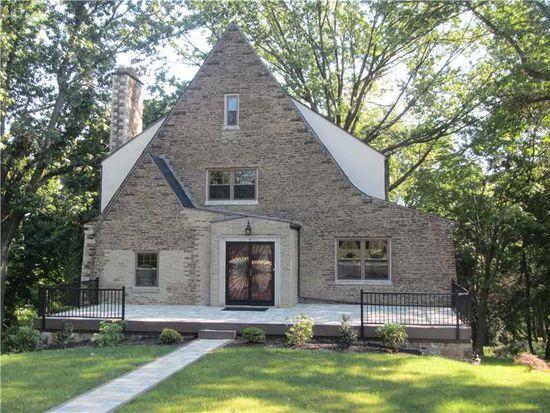 9 Churchill Rd, Penn Hills, PA 15235
