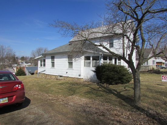108 Ebersole Ave, Fredericktown, OH 43019