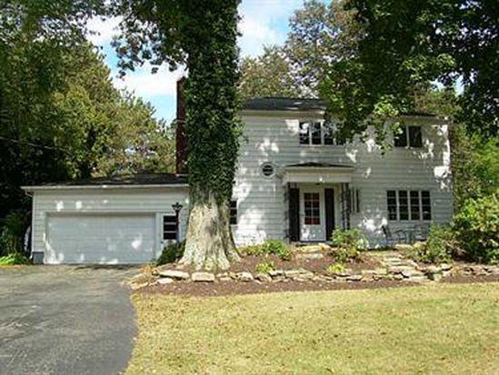 725 E Pike Rd, Indiana, PA 15701