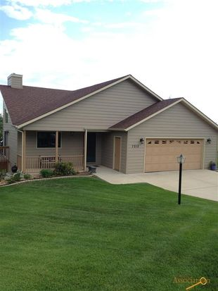 7212 Tanager Dr, Rapid City, SD 57702