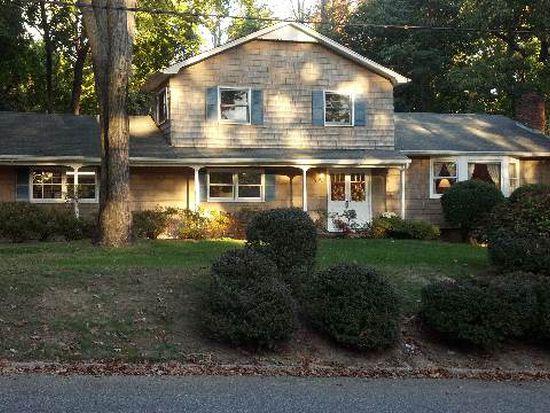 19 Blinkerlight Rd, Stony Brook, NY 11790