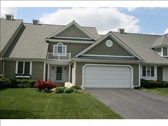 11 Overlook Dr, North Kingstown, RI 02852