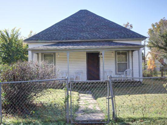 607 E 4th St, Claremore, OK 74017