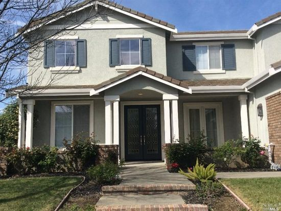 833 Atchison Dr, Vacaville, CA 95687
