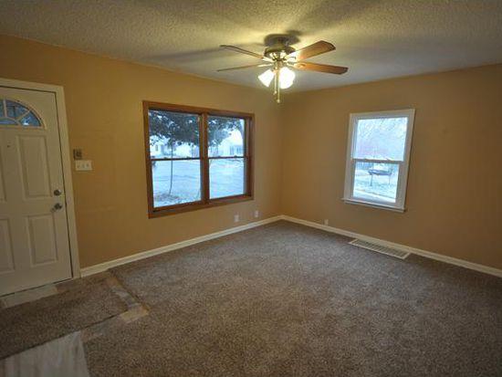 4820 SW 10th St, Des Moines, IA 50315
