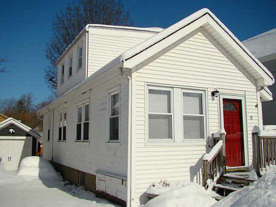 19 Burdick Ave, Newport, RI 02840