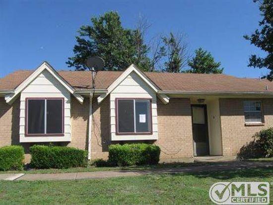 25S E Townhouse Ln #30, Grand Prairie, TX 75052