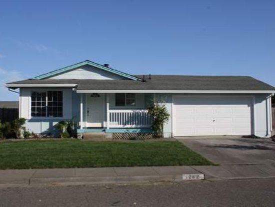 1282 Saint Anthony Ln, Petaluma, CA 94954