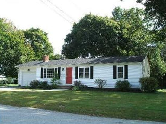 11 Forest Park Dr, North Kingstown, RI 02852