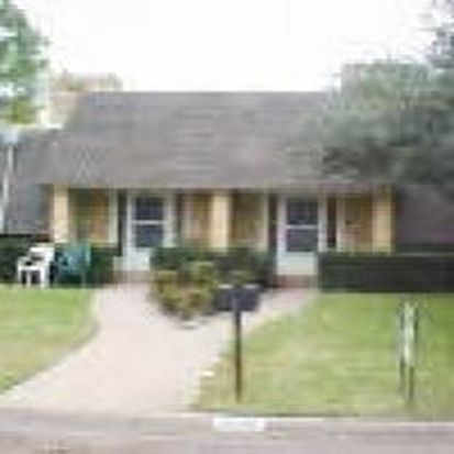 2207 Bowling Green St, Denton, TX 76201