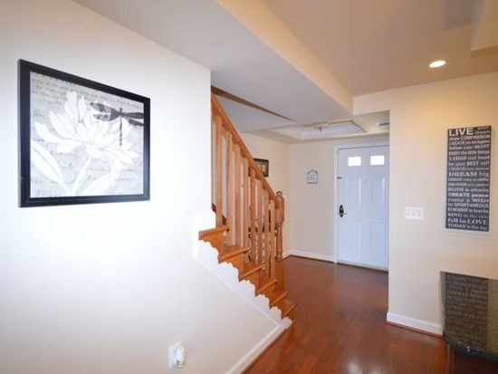 4185 S Four Mile Run Dr UNIT A, Arlington, VA 22204