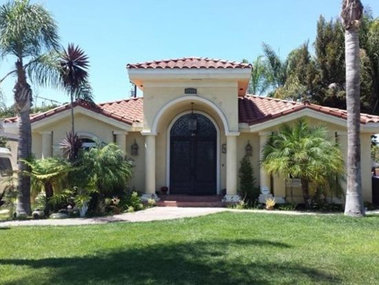 12115 Morning Ave, Downey, CA 90242