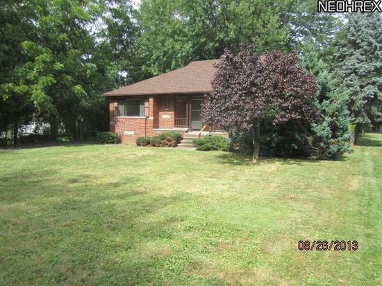 6137 Barton Rd, North Olmsted, OH 44070