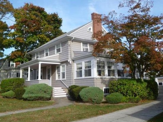 1915 Robeson St, Fall River, MA 02720