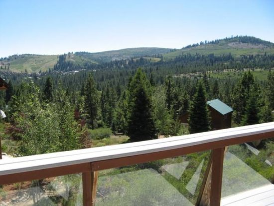 12677 Pinnacle Loop, Truckee, CA 96161