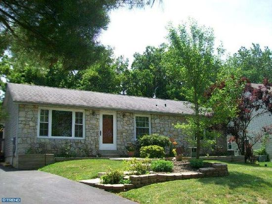 11 Casselberry Dr, Norristown, PA 19403