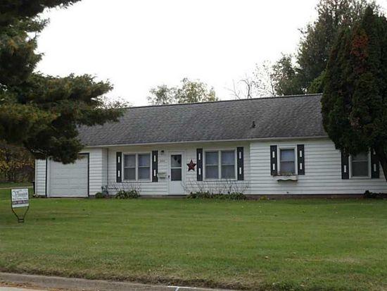 335 27th Ave SW, Cedar Rapids, IA 52404