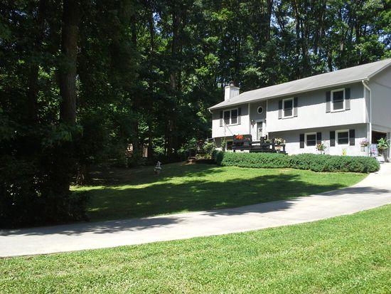 100 Staplewood Rd, Lexington, NC 27295