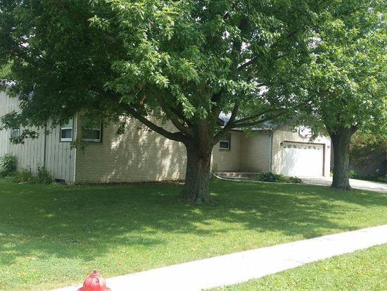 1035 Parkview Dr, Rochelle, IL 61068