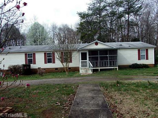 174 Coolwood Dr, Statesville, NC 28625