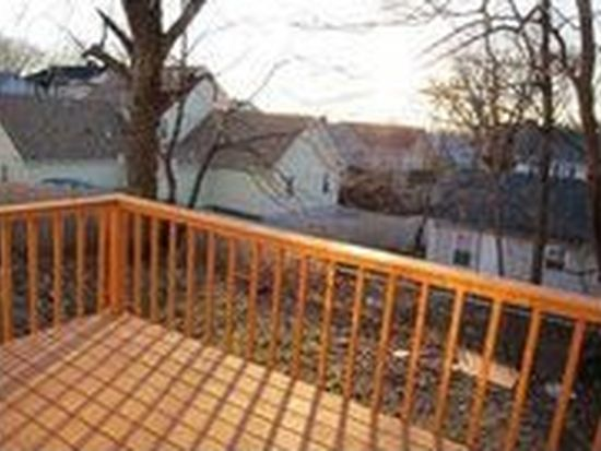 10 Knowles St, Providence, RI 02906