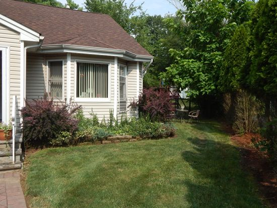 4 Glen Ave, Roseland, NJ 07068