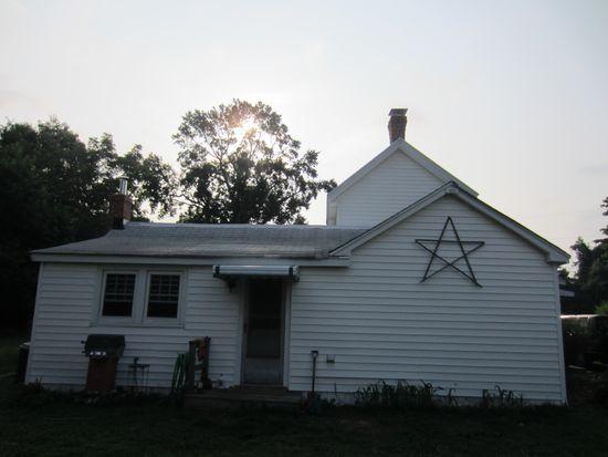 75 Dove Hvn, Deltaville, VA 23043
