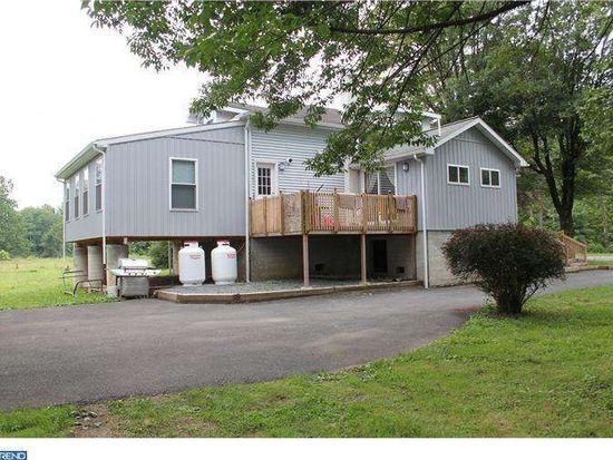 333 Mohrsville Rd, Shoemakersville, PA 19555