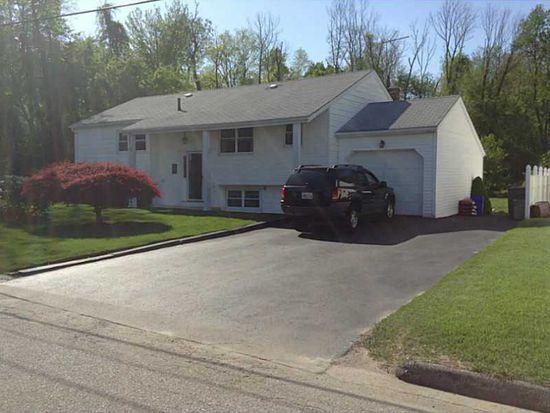 39 Rosemont Ave, Johnston, RI 02919