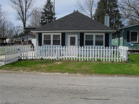 118 Clovercliff Dr, Chippewa Lake, OH 44215