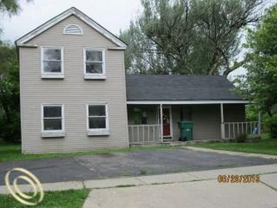 422 West St, Howell, MI 48843