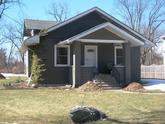 940 Highland Ave, Glen Ellyn, IL 60137