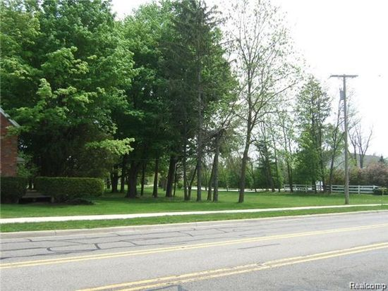 21030 Halsted, Farmington Hills, MI 48335