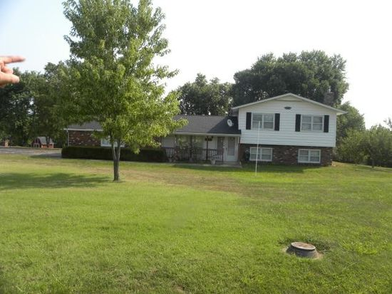 675 Homestead Ln, Villa Ridge, MO 63089