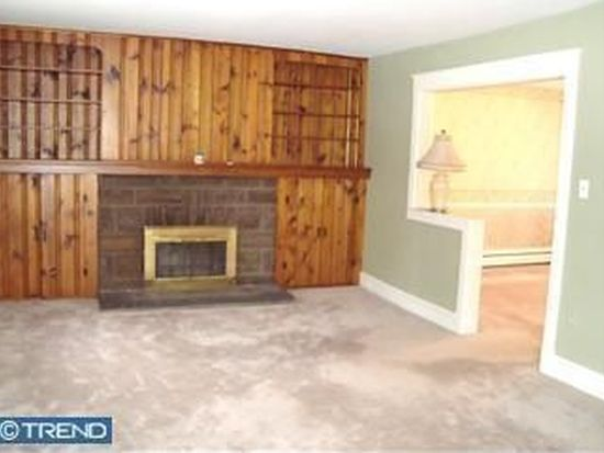 2910 Haverford Rd, Ardmore, PA 19003