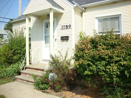 3789 Lee Heights Blvd, Cleveland, OH 44128