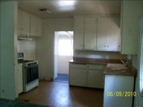 22824 Laurel Ln, Crestline, CA 92325