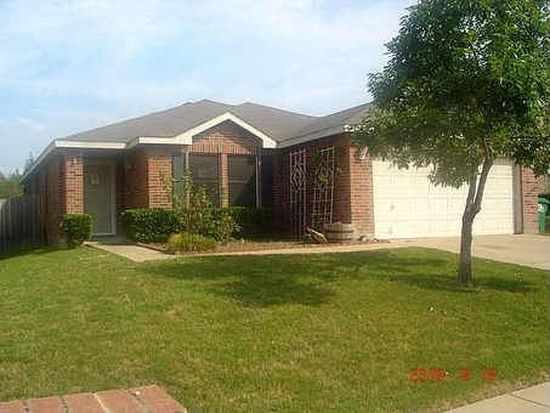 8716 Swan Park Dr, Denton, TX 76210